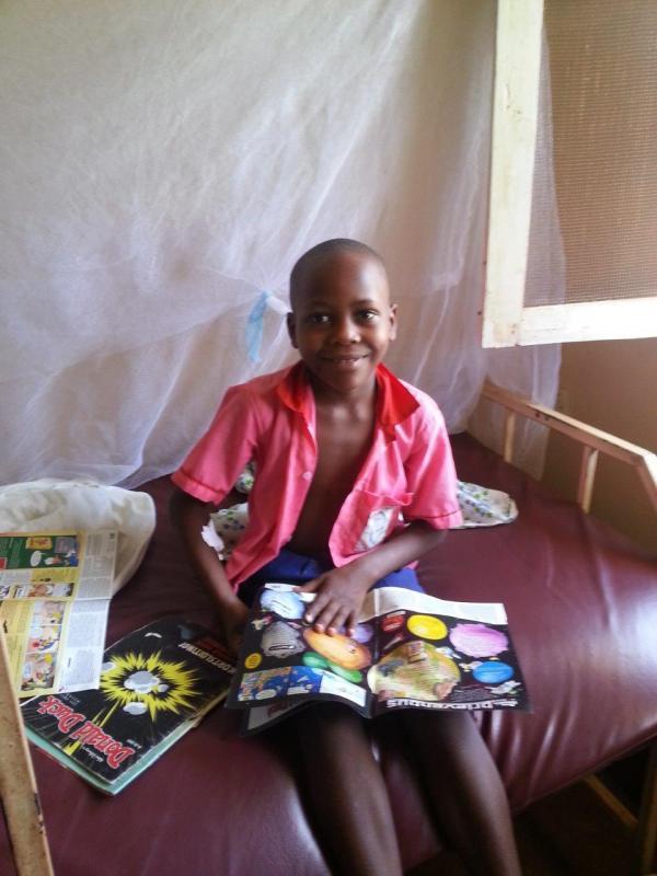 Shaban opgenomen in de kliniek voor de behandeling van malaria.