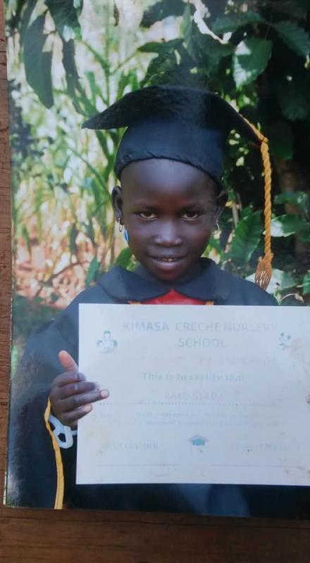 Met het verdiende geld kan Backu naar school!